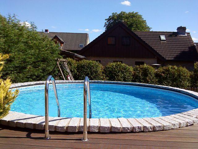45 besten ferienhaus mit pool urlaub mit dem hund bilder auf pinterest. Black Bedroom Furniture Sets. Home Design Ideas