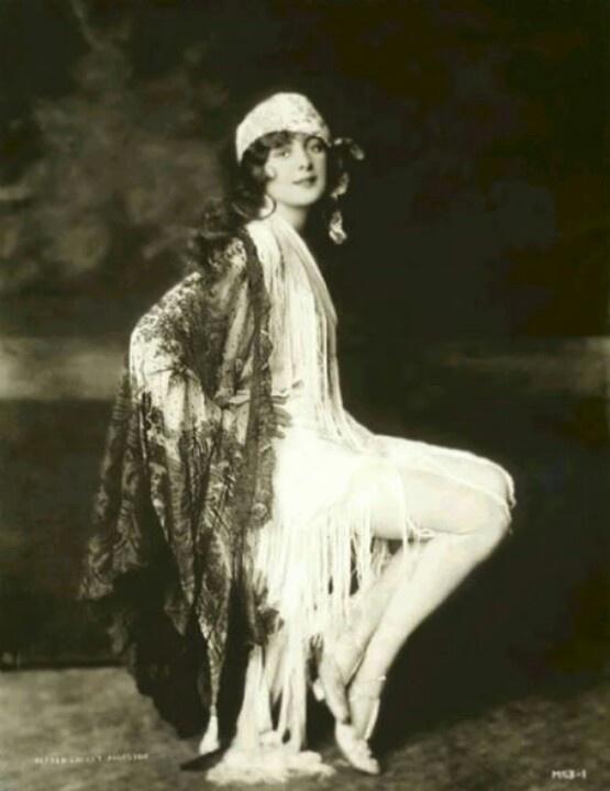 Actress, Billie Dove, Ziegfeld Follies.