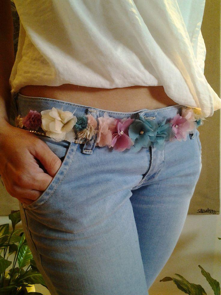 Cinta de flores, que se puede útilizar como corona de flores y como cinturon.