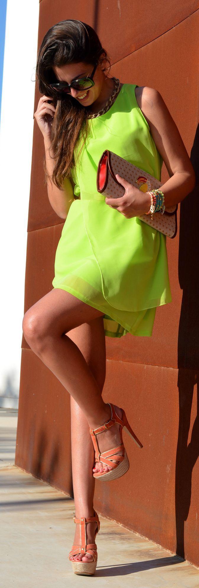 Neon Lime Dress Street style - 1sillaparamibolso