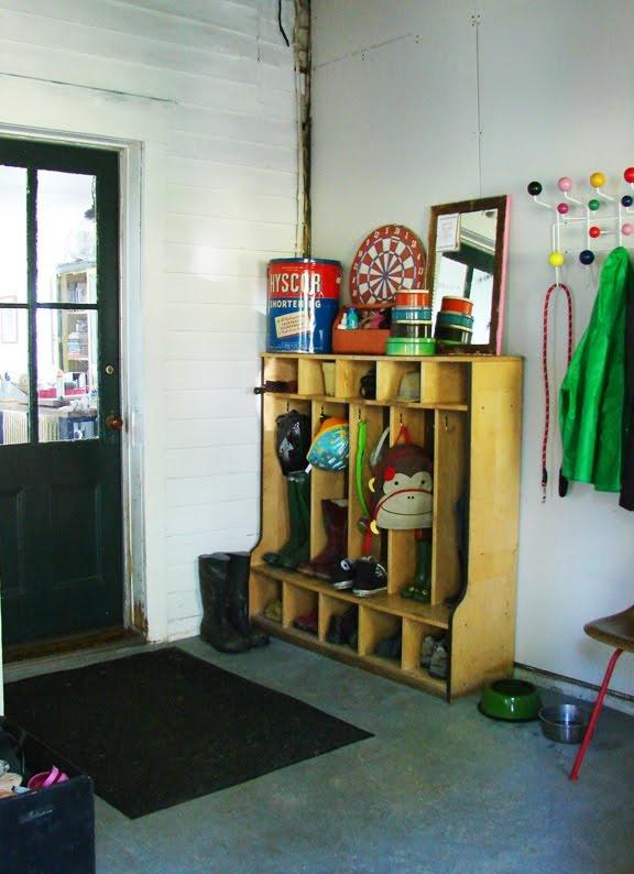 Aesthetic Outburst's mudroom: Entrance Way, Schools Boots, Boots Rooms, Cubbies Shelf, Cubbies Shelves, Front Doors, Schools Cubbies, Mudroom Lockers, Elementary Schools