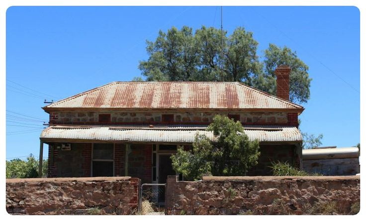 Broken Hill  Tired old home