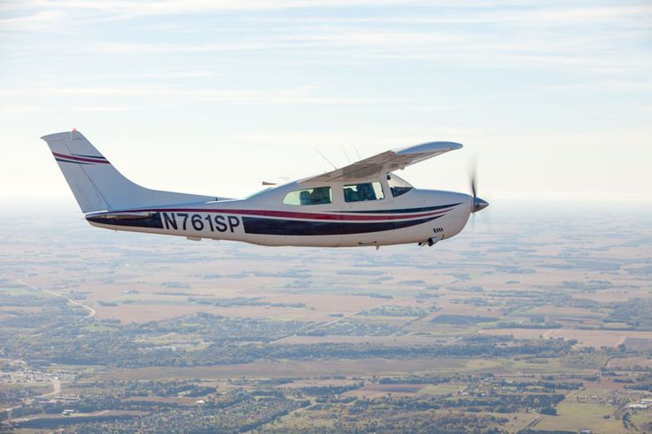 Cessna 210 Centurion in flight