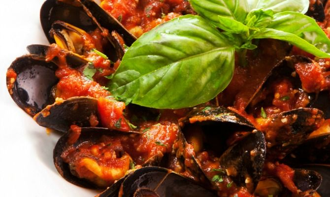 Seafood in tomato sauce has a long history in Neapolitan cooking. In fact, marinara sauce is named for the mariners who supposedly created it.