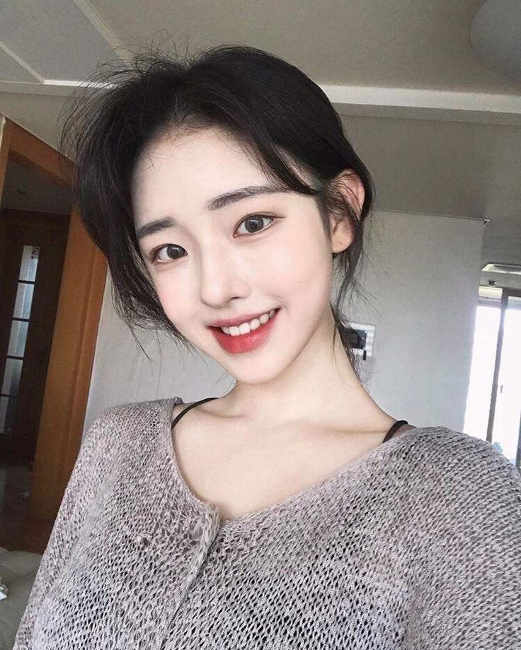 Girls snapchat korean Emily Schmitt