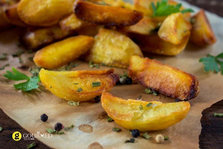 Εύκολες ψητές πατάτες φούρνου στην λαδόκολλα - gourmed.gr
