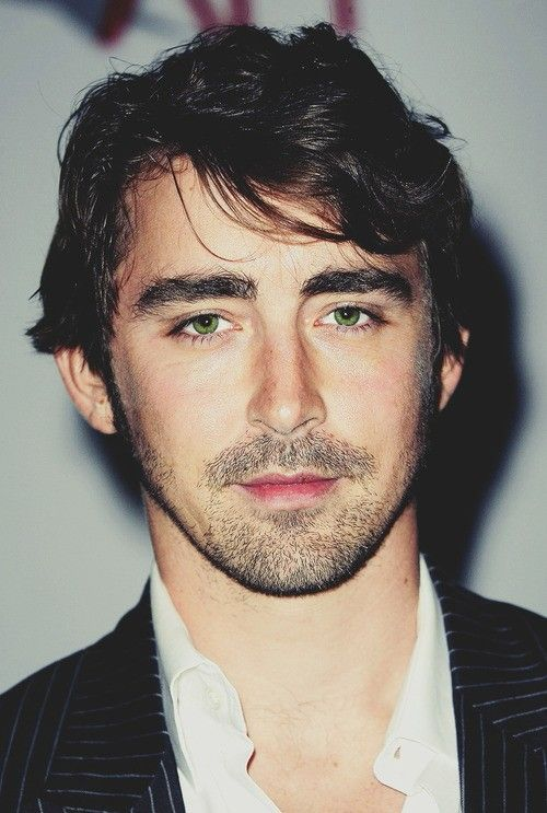 Lee Pace, who played Thranduil in the Hobbit 2 & 3. Gorgeous green eyes.... and a beautiful Aries man.