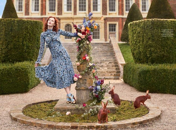 Живые лисы и кролики вместо горжетки: Карен Элсон в эдиториале июньского Harper's Bazaar UK