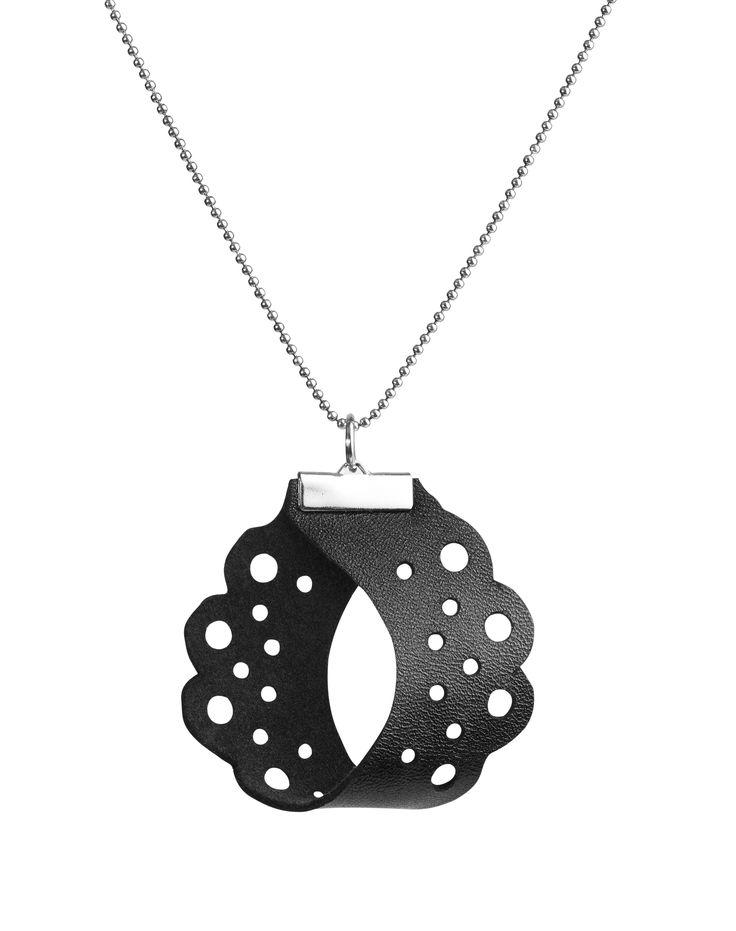 Pitsi collection: Pitsi necklace Pitsi malliston: Pitsi kaulakoru Material: Leather / silve  #leather #pitsi #jewel #nahka #koru #muoti #musta #kaulakoru