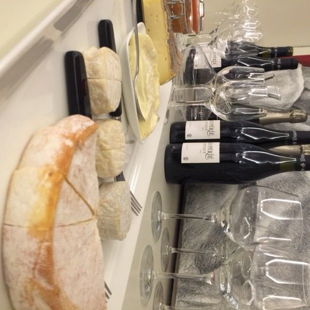 If you're a cheeseaholic like me, here's a round-up of 12 cheese and wine nights in Dubai. Any more favourites to add? x #cheesediva #foodiva