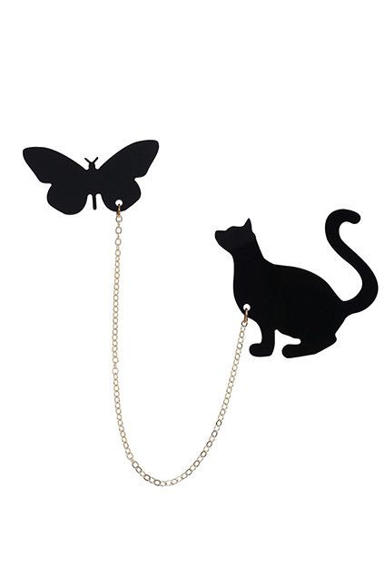 Cat Playing Butterfly Embellished Collar Tip #MYTRENDTWOWARDROBE