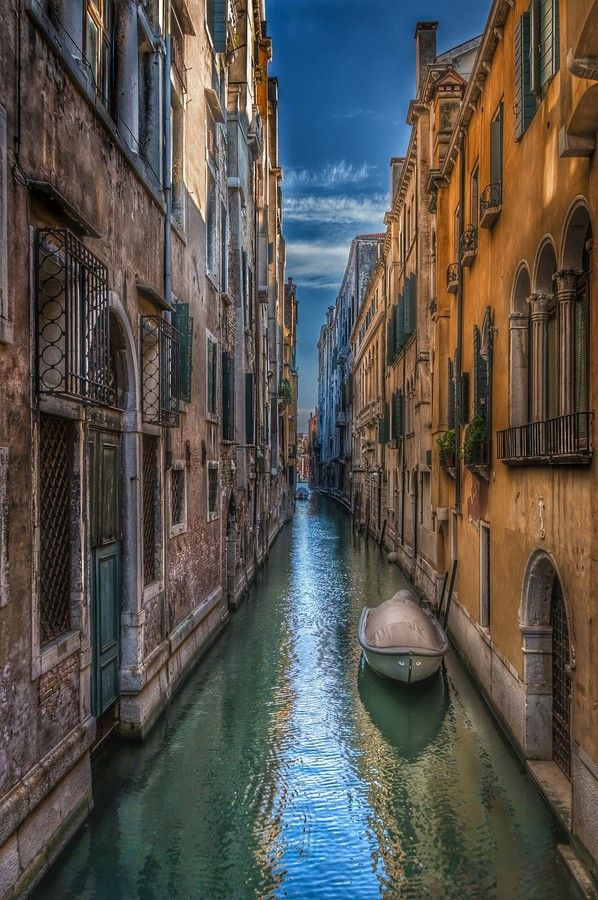 Venice Alleyway by Bassam Sabbagh on 500px