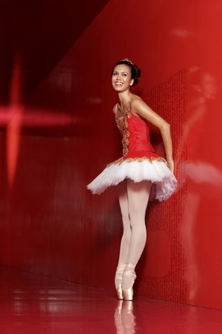 Pacific Northwest Ballet, Noelani Pantastico  ©Angela Sterling