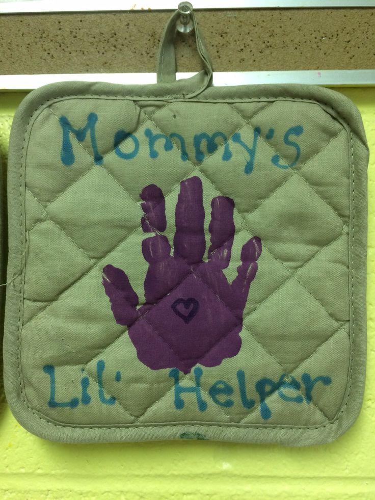 Handprint on pot holder for Mother's Day