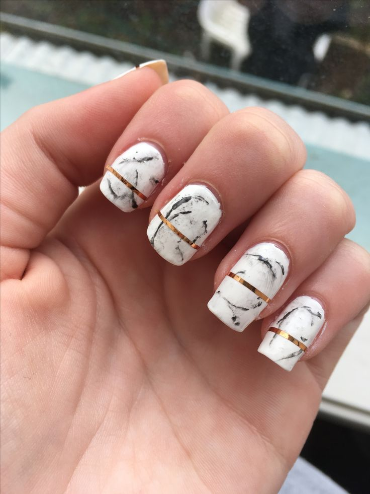 Marble nail art by @lily_me
