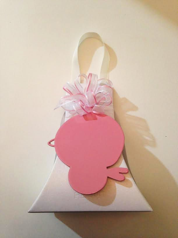 Baptism favor with pink magnet. This is an idea to transform our products for party favor! Contact us or See more on www.zanzottidesign.com