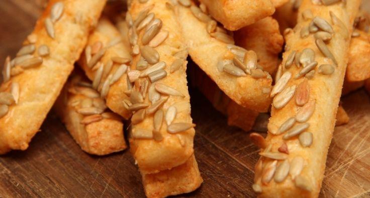 Przepis na paluszki z ziarnami: Niesamowicie prosta i bardzo smaczna domowa przekąska. Przepyszna i przez długi czas zachowuje świeżość!