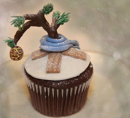 Charlie Brown Christmas Tree Cupcake - hee hee