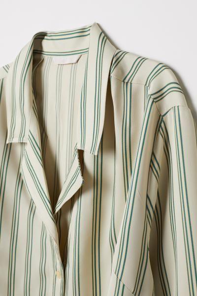 2c4e47d045f4 Oversized skjorte i 2019 | klassisk beklædning | Oversized shirt ...
