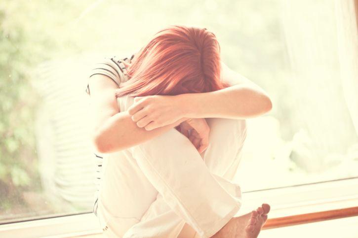 Депрессия и биполярное расстройство повышает риск сердечных болезней не только у взрослых, но и у подростков, выяснили ученые.
