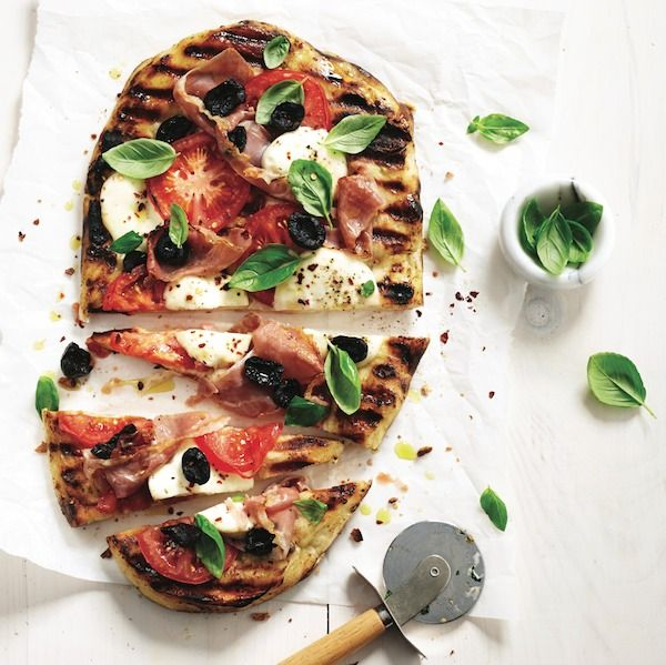 Grilled pizza recipe - Chatelaine