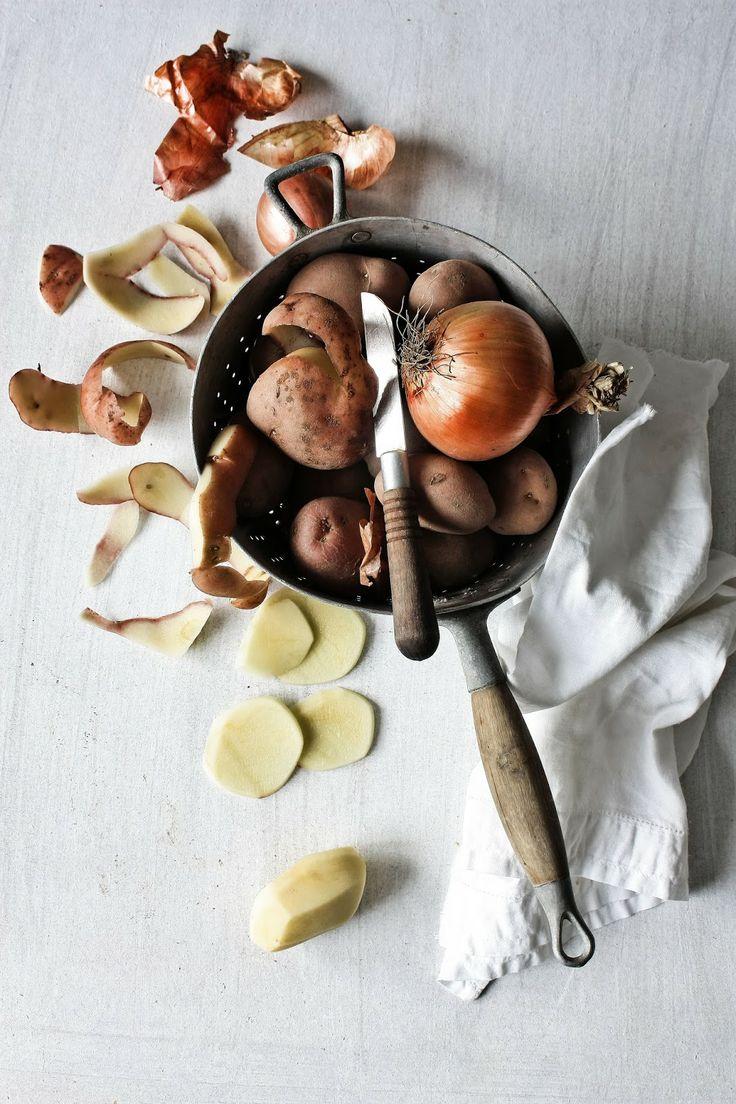Pratos e Travessas: Gratinado de batatas com bacalhau e ameijoas | Potatoes, cod and clams gratin | Food, photography and stories