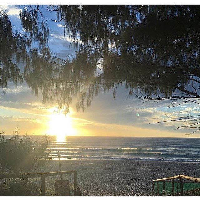 Rise and Shine ✨ Setting the days intentions and fuelling the soul   www.femmebody.com.au  #femmebodyactive #activewear #fitness #feminine #luxury #activeliving #healthy #lifestyle #mindbodyandsoul #fuel #workout #sunrise #ocean #beautiful #goldcoast #shine #fitnessgirls #fitnessmotivation #intentions #goals #desires