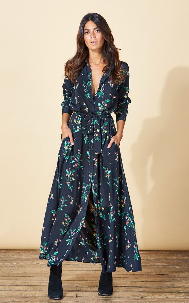 Stunning floor length shirt dress. A detachable belt cinches in the waist and sleeves are 'roll and button' style to give you more styling options. Lots of volume on the skirt makes this an elegant and flattering little beauty.
