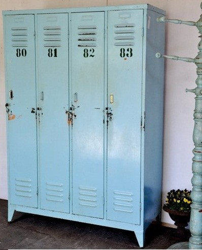 want lockers oh so bad especially in this color... with the number stencils...