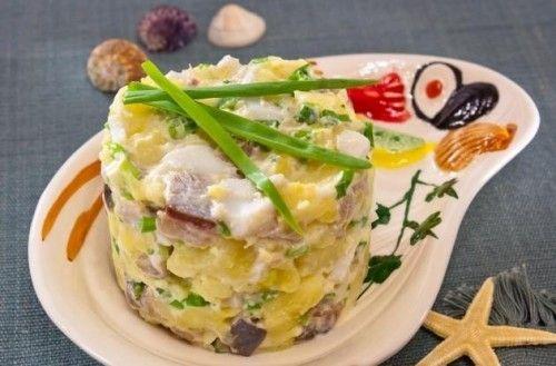6 рецептов салатов с сельдью
