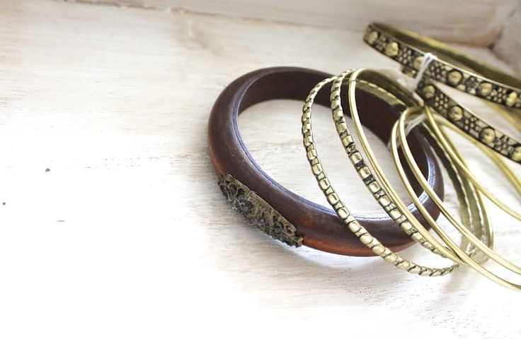 Set of bangles* Can be separated. #fashion www.dressmeperfect.com