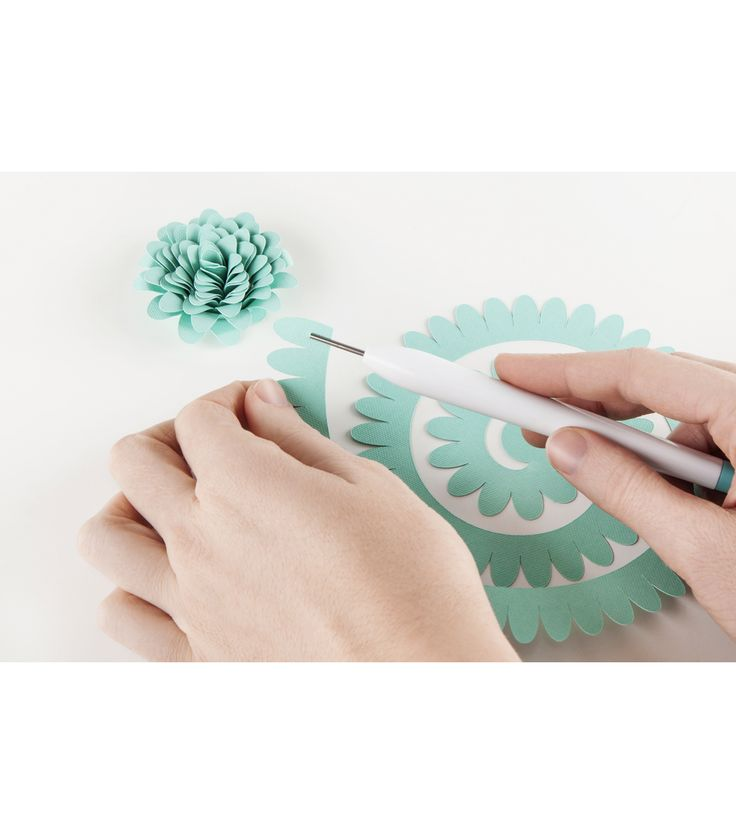 Make perfect paper creations with the Cricut® Paper Crafting Set. This 4-piece set includes everything you need for professional-looking projects. Accurately place tiny cuts or embellishments with the