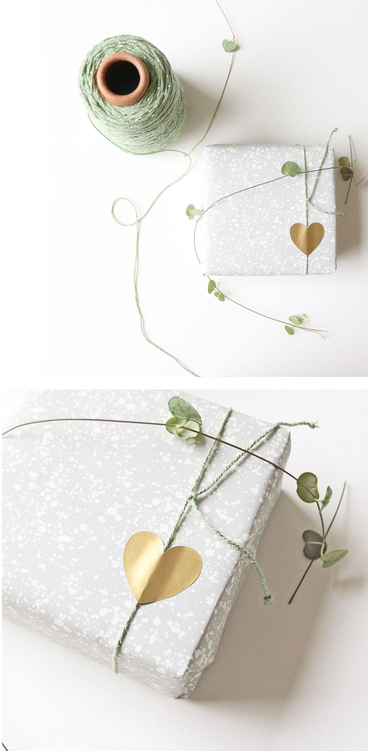 Golden heart stickers, the easiest way to give any gift that chic look! 10 stickers for € 1.25 Grey granite paper designed by Jurianne for Ompak.