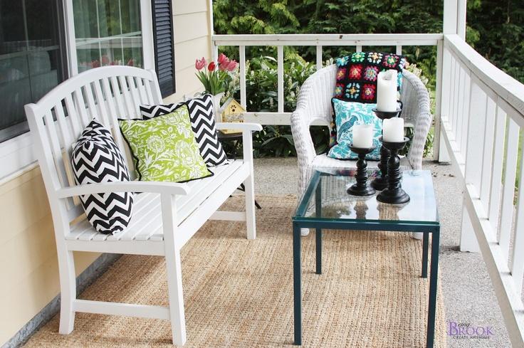 Front Porch Makeover: Front Porches Makeovers, Spraypaint Metals, Metals Tables, Chevron Pillows, Sprays Paintings Metals, Painting Metal, Back Porches, Porches Ideas, Yardfront Porches