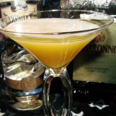 Amaretto Martini Recipes for Mrs. Galloway for the wedding lal