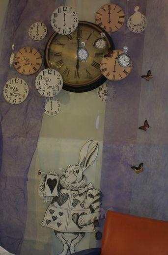Alice In Wonderland Mad Tea Party Halloween Party Ideas