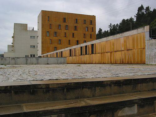 UNIVERSITY OF COIMBRA STUDENT HOSTEL Aires, Mateus and Associates