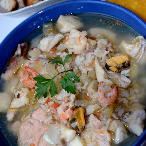 Суп-уха с рыбой и морепродуктами
