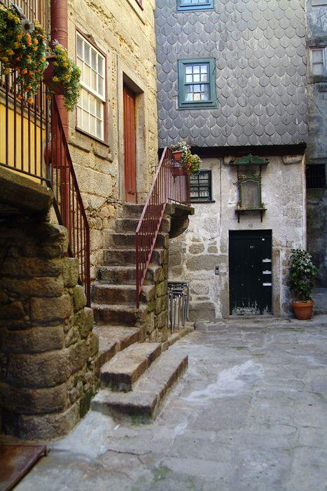 Viela do Buraco, Porto, Portugal