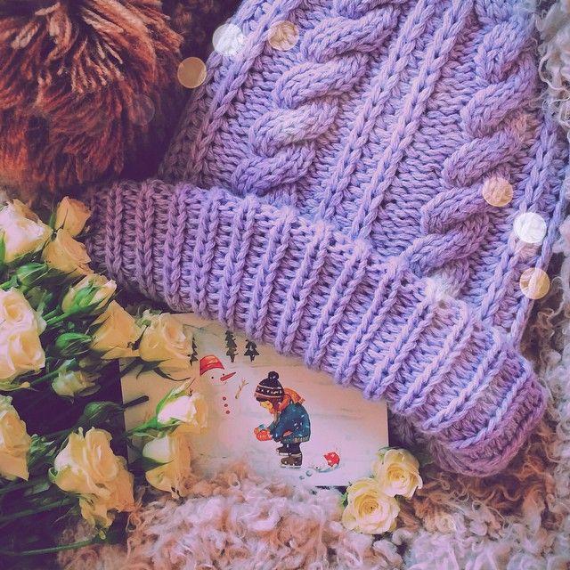 Спасибо большое всем, кто поделился вчера своими зимними радостями. Несколько раз перечитывала сообщения. 🙈 Так сразу холода я, конечно, не полюбила, но настроение вдруг отличное. :) Тем более, сегодня #приветдекабрь – день рождения моей мамы и старт очередного, уже ставшего доброй традицией, розыгрыша. 🙊 Приз в этот раз зимний-зимний, тёплый-тёплый – шапка @ne_kaur 💜, незаменимая в холода и абсолютно, как по мне, идеальная. Поучаствовать в розыгрыше очень просто: подпишитесь, если не…