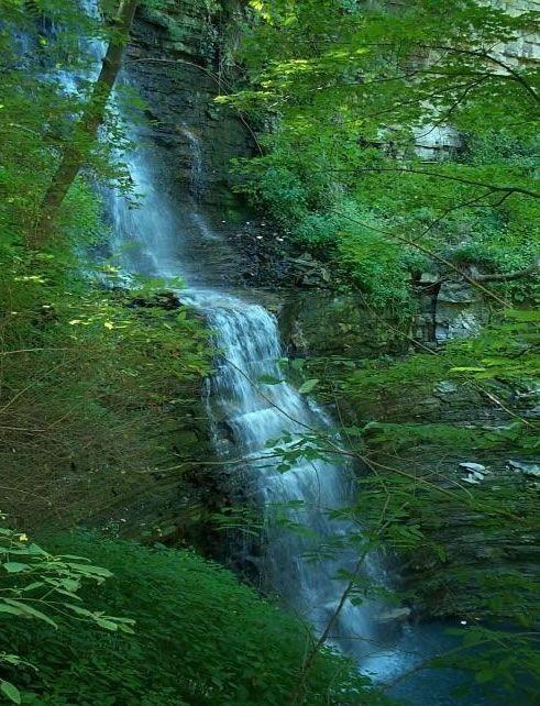 Hamilton, Ontario - Cliffview Falls