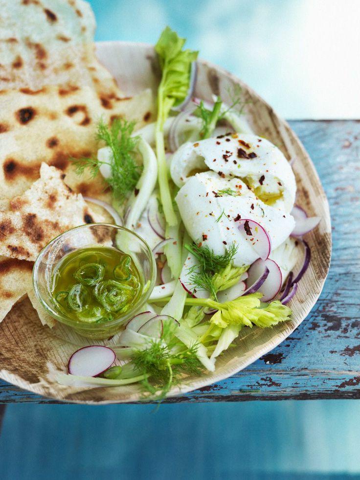 pan carasau met mozzarella bleekselderij, venkel en munt Als voorgerecht of lunch: recept voor Pan Carasau met mozzarella, bleekselderij, venkel en munt.