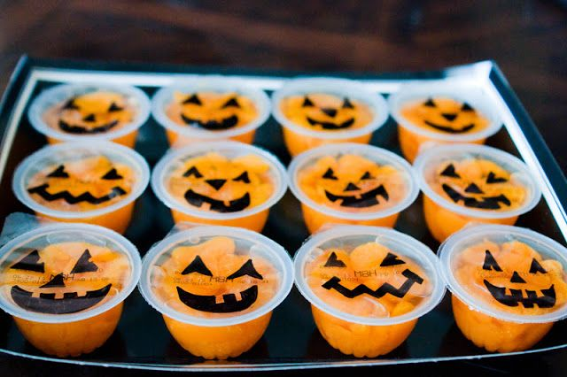 EASY Pumpkin Fruit Cups Non-Candy Halloween Treats Idea via The Sweatman Family