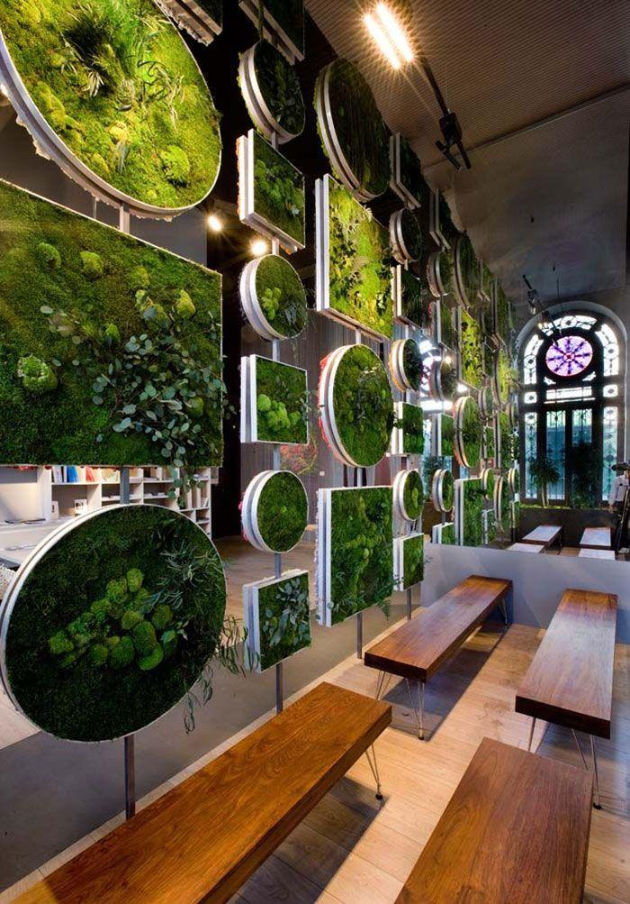 Moss Walls. The Interior Design Trend That Turns Your Home Into A Forest #Green #InteriorDesign http://oohm.com.au/