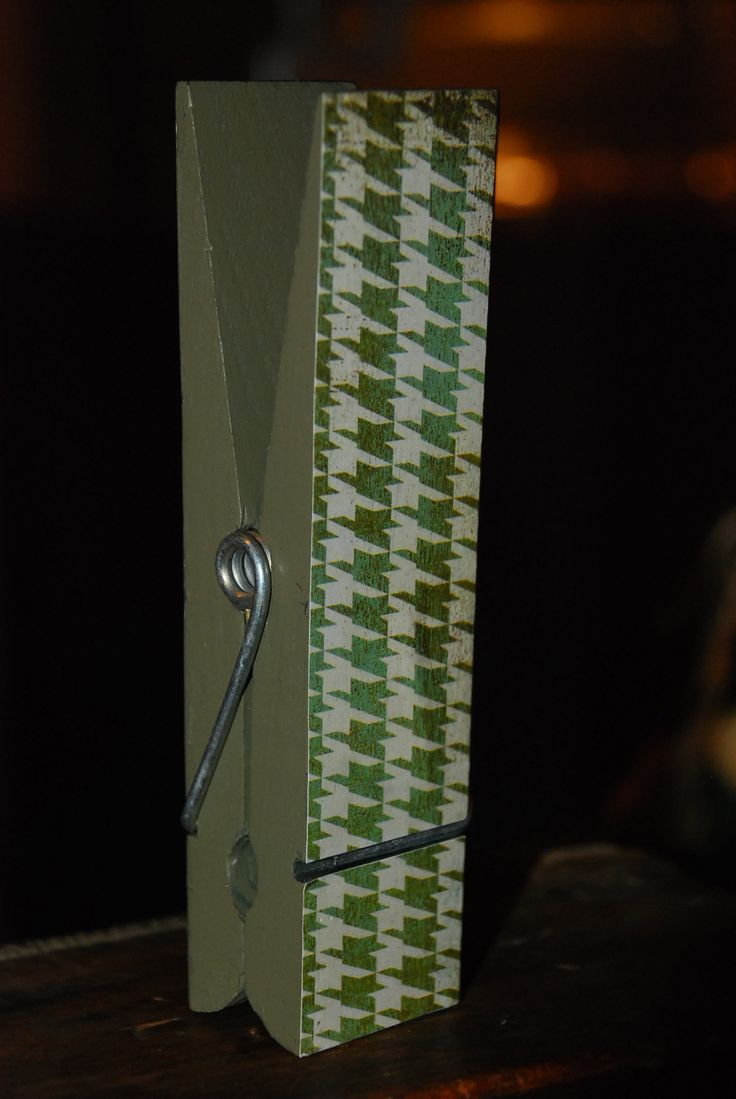 clothes pin picture holder
