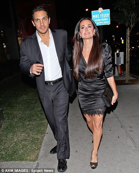 Kyle richards fortune chic housewives pinterest kyle richards