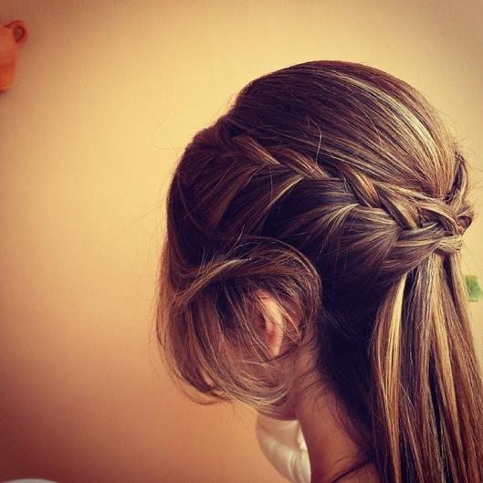 15 Stylish Half Up Half Down Tutorials: Half-Up Half-Down: 15 Hairstyles Perfect For Prom
