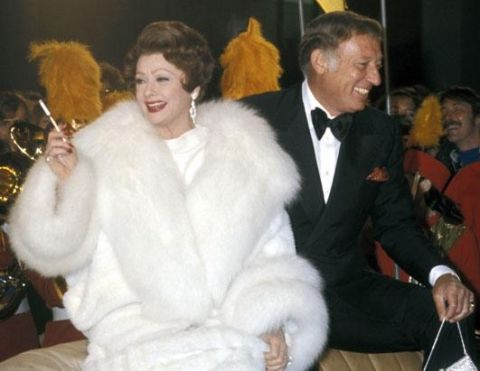 Lucille Ball looked noble in white gown along with Gary Morton after party of the premiere in 1974