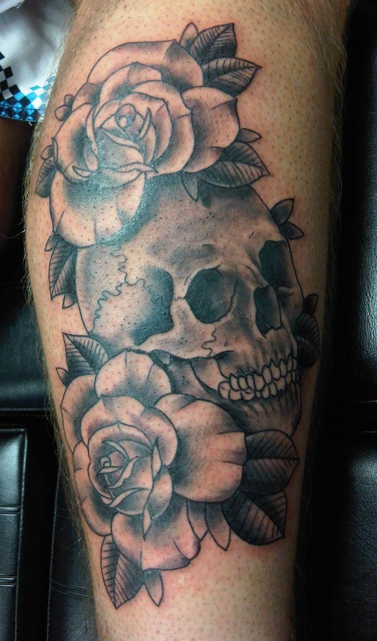 skull roses black white tats