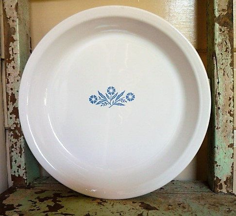 Vintage Corning Ware 9 pie plate Cornflower by itsretrodarling